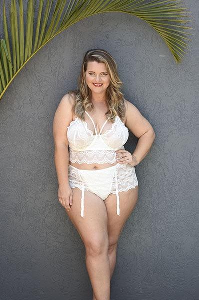 Bella Curve Anais Bralette & Gartini set - plus size lingerie