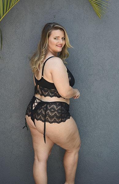 Bella Curves Dita Bralette & Gartini - plus size lingerie