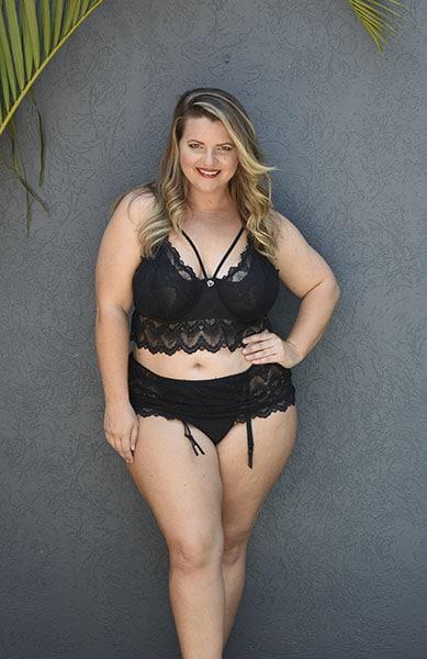 Bella Curves plus size bralette & gartini - Dita